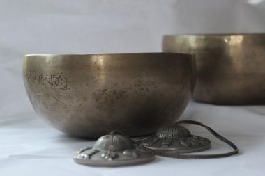 singing bowls - tingsha
